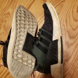 Adidas NMD R2 Black + Pink Size 6.5